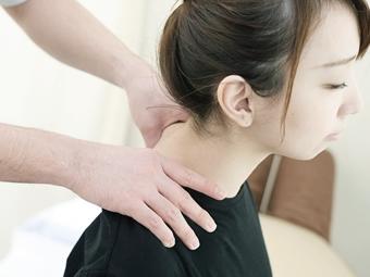 頸椎の疾患の種類は?頸椎の代表的な病気と症状などについて解説!